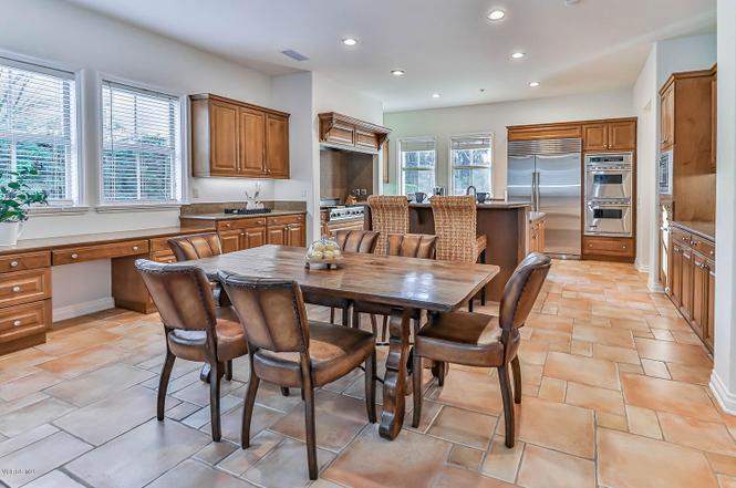 Redfin kitchen area
